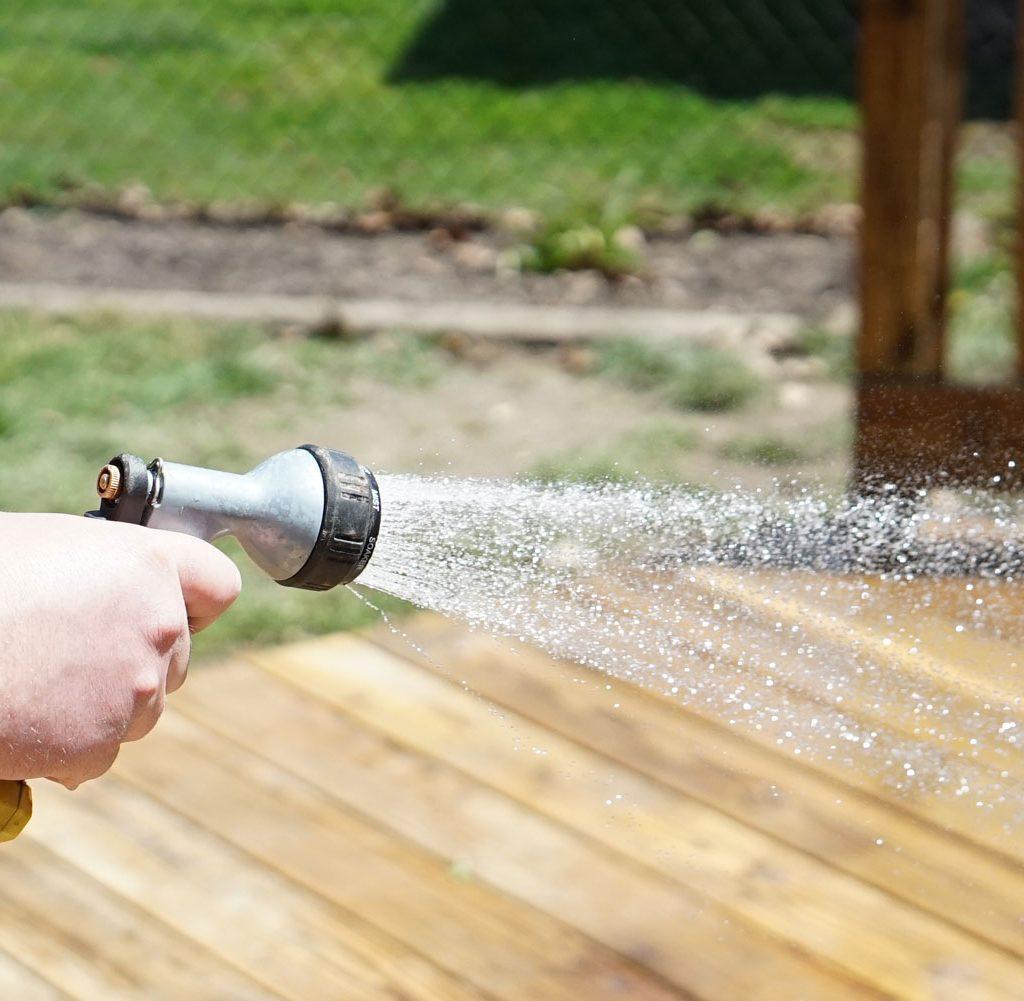 Wood-brightener-hose